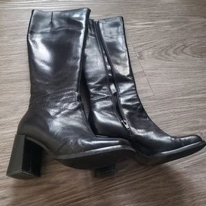 SIZE 6 LEATHER KNEE HIGH BOOTS